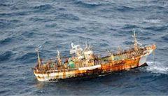 Loď spláchla tsunami. Po roce se objevila u Kanady