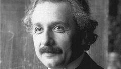 Teorie relativity i dopisy milenkám. Kompletní Einstein je online