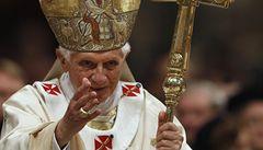 Lidstvo tápe v temnotě, varoval papež z Vatikánu