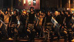 V Makedonii stoupá etnické napětí. V ulicích jsou nepokoje