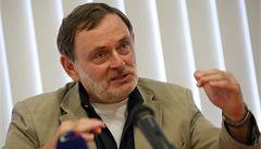 Varvařovský skončil jako ombudsman také kvůli nemocné ženě