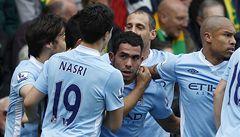 Manchester City rozdrtil Norwich a přiblížil se United na 2 body