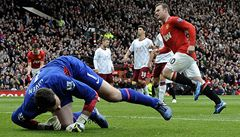 Manchester United si poradil s Aston Villou 4:0