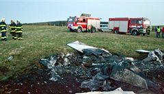 V troskách letadla na Karlovarsku uhořeli dva lidé