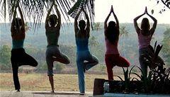 Američtí vězni cvičí jógu, pomáhá jim odbourat stres