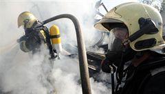 Kvůli horku přibylo požárů, od pátku jich hasili 460