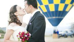 V Česku přibývá faktických manželství bez svatby a singles