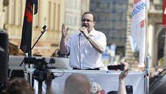 ČSSD uzavřela v Duchcově koalici s DSSS, Sobotka chce organizaci zrušit