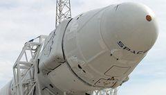 První soukromá vesmírná loď nepoletí, raketa se neodlepila