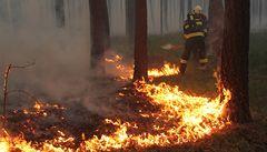 Obří požár u Bzence mohl někdo založit úmyslně, naznačila policie