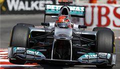 Schumacher si zasloužil lepší auto, myslí si šéf Mercedesu