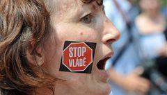 V Praze se sešli naštvaní důchodci. Chtějí vyšší penze