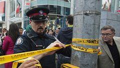 V kanadském obchodním centru se střílelo. Jeden mrtvý, sedm zraněných