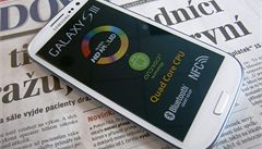 Nový smartphone Galaxy SIII se v Česku vyprodal za tři dny