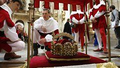 Královský průvod veze klenoty z Hradu na Karlštejn