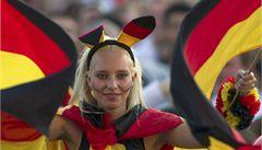 Fotbal Němcům ukázal cestu k normálnímu patriotismu, říká historik