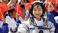 Čína vyslala do vesmíru svou první astronautku