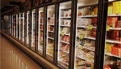 Nový trend: ze supermarketů se ztrácí drahé mražené zboží, jde třeba o lososy