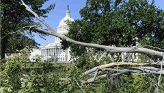 Washingtonem se prohnala bouře. Miliony lidí zůstaly bez proudu