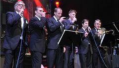 Dyk, Bartoška a Macháček na festivalu zazpívali Pohodu od Kabatů