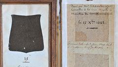 Vědci zkoumají kus Husova pláště, látka prý pochází ze středověku