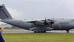 Na aerosalonu u Londýna bojují o nadvládu Airbus s Boeingem