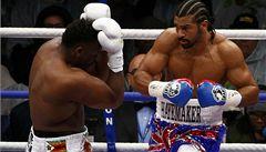Haye knokautoval Chisoru, poté si boxeři podali ruce