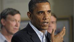Obama uctil památku obětí vraha z Denveru: Myslí na vás celá Amerika