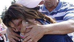 Masakr přežila. Ještě jí ale neřekli, že její dcera při střelbě v kině zemřela