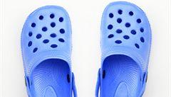 Přijít o boty v tlačenici? V čínském metru rozdávají nové zdarma