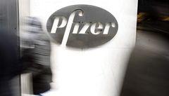 Farmaceutická firma Pfizer podplácela lékaře asi i v Česku