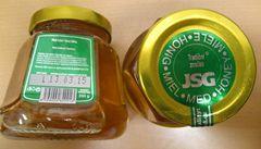 Výrobci šidí med sladidly a barví ho karamelem, zjistila inspekce
