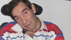 Paralyzovaný bojovník za právo na smrt zemřel