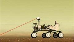Curiosity začalo na Marsu testovat laser. Podívejte se