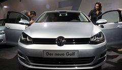 Volkswagen v listopadu zvýšil prodej vozů se značkou VW