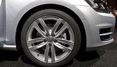 Volkswagen musí svolat k opravě 43 tisíc vozů z řady New Small Family