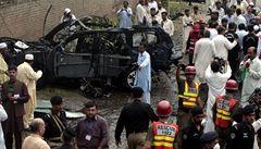 Atentátník najel do auta amerických diplomatů, zabil tři lidi