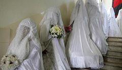 Co měsíc, to svatba. Češky létaly do Pákistánu na fingované sňatky