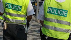 Expolicista předložil padělek vysvědčení, policie po něm chce miliony