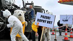 OBRAZEM: Aktivisté Greenpeace protestovali proti těžbě ropy v Arktidě