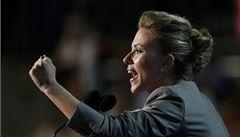 Scarlett Johanssonovou čeká rozpálená plechová střecha
