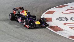 V nočním Singapuru byl nejrychlejší Vettel