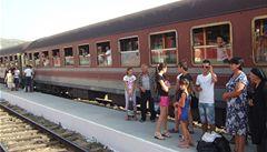 Albánské vlaky mají vysklená okna, ale stále spolehlivě jezdí