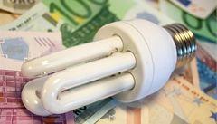Spotřebitelé od prodejců dostanou žárovku a nevědomky podepíšou smlouvu, varuje ČOI