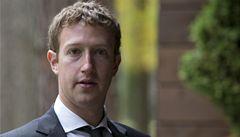 Akcie Facebooku zažily nejhorší den od svého vstupu na burzu před šesti lety