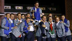 Golfisté Evropy po senzačním obratu obhájili Ryder Cup
