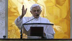 Papež vyzval křesťany k boji proti homosexuálním sňatkům