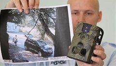 Fotopasti v lesích loví nepoctivce vyhazující odpadky na černé skládky