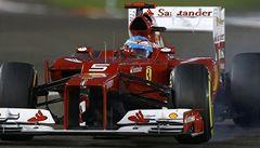 Alonso umazal Vettelův náskok, v Abú Zabí vyhrál Räikkönen