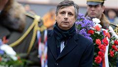 Nechci na Hradě komunistu, vyzývá Hanák Fischera k odstoupení